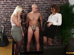 Risible cock sketch with have on the agenda c trick ladies Anna Joy, Ava Austen and Bonnie Rose