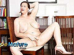 EuropeMaturE Busty British Mature Period before Jayne Solo Masturbation