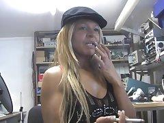 Cute amateur chick Rio Mariah loves pleasuring her wet fuck chasm