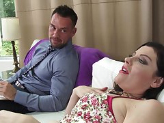 Horny cougar Enthrone Syre gives a blowjob with an increment of gets fucked hard