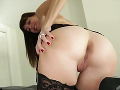Stud skips college to receive a handjob by the depraved stepmom