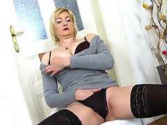 Super hotblonde mature nipper played with herself using her fingers and sextoys