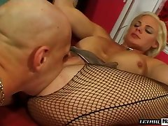 Palatable super MILFie whore Cortknee gives such a good footjob
