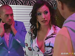 Brunette slut Jennifer Namby-pamby monk fucked and gets a facial