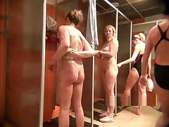 Movie peeping in the womens shower10225