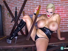 Curvy cougar Dolly Fox kinky solo session