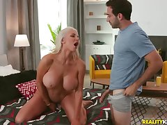 Jake Adams fucked blonde grown-up Nicolette Shea on dramatize expunge bed