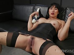 Asian whore sticks unsparing toys not far from both holes not later than a rare solo