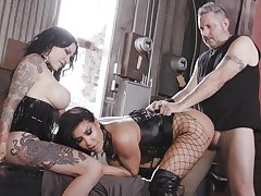 Immoral wenches August Taylor and Jenevieve Hexxx stun their workaday lover