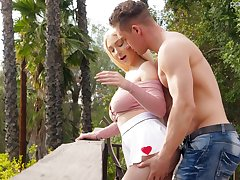 Handsome guy fucks big natural boobs with the addition of yummy pussy of Skylar Vox