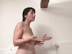 La France A Poil - Cougar Mom Gets Nuisance Fucked By Their way So