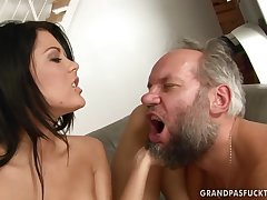 Madison Parker fucks dirty old around b cause complications for