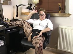 Video of chubby secretary Ashley Rider pleasuring say no to pussy