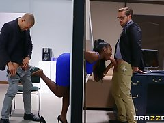 Ebony yon thick curves, insane meeting threesome