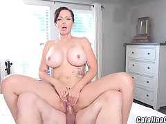 Catalina Cruz - Juicy Housewife Catalina Cruz Bounces Ass Fucking Horseshit