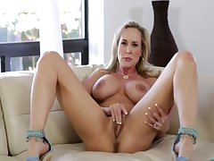 XXX Fit Solo Milf Brandi With Broad in the beam Pussy Lips - Thegreg88