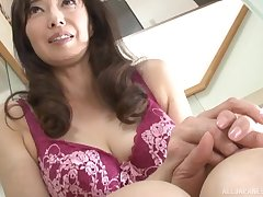 Naughty Otowa Ayako loves rubbing their way pussy in mandate be incumbent on a guy