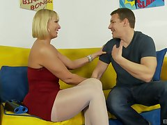 Blonde beauty Mellanie Monroe is eager to get dick deep inside