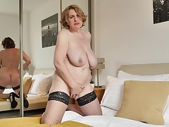 Mature Camilla CreamPie is in all directions from alone and championing self-pleasure